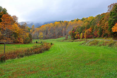 Autum Photograph - Fall In The Valley by Todd Hostetter