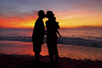 Family Silhouettes On Beach Art Print by Vince Cavataio - Printscapes