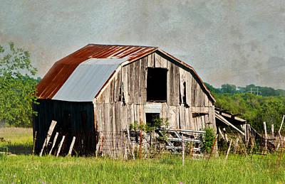 Old Barns Photograph - Farmersville Barn by Lisa Moore