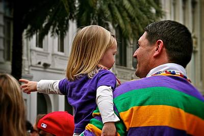 Photograph - Father And Daughter Parade Goers by Jim Albritton