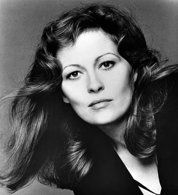 1980s Portraits Photograph - Faye Dunaway, 1980 by Everett