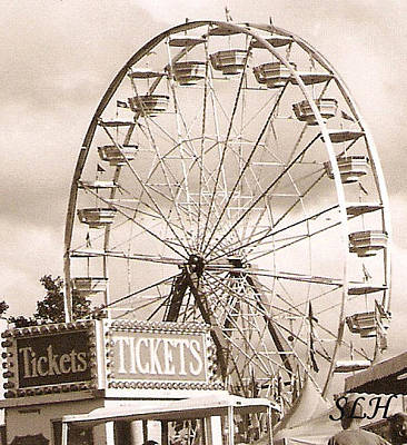 Photograph - Ferris Wheel by Lee Hartsell