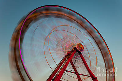 Photograph - Ferris Wheel Vii by Clarence Holmes