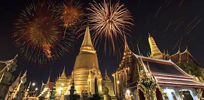 Firework On Thai Royal Palace Original by Anek Suwannaphoom