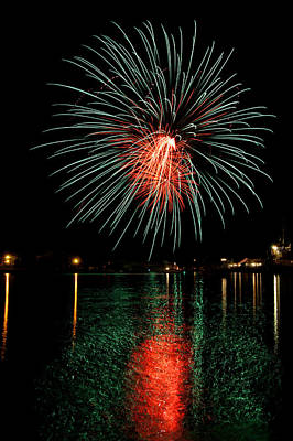 Photograph - Fireworks Of Green And Red by Bill Pevlor