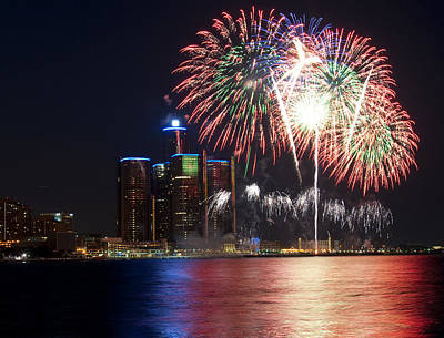 Photograph - Fireworks Over Detroit by George Hawkins