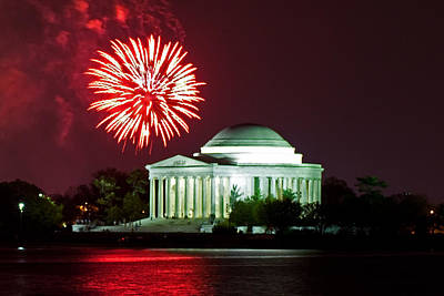 Photograph - Fireworks Over The Jefferson Memorial by David Freuthal