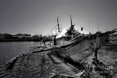 Photograph - Fisherman's Pride by Yhun Suarez