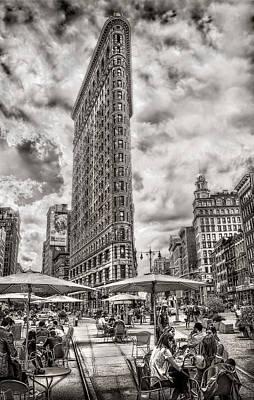 Print featuring the photograph Flatiron Building Hdr by Steve Zimic