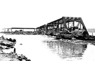 Flood Damage, 1903 Art Print by Science Source