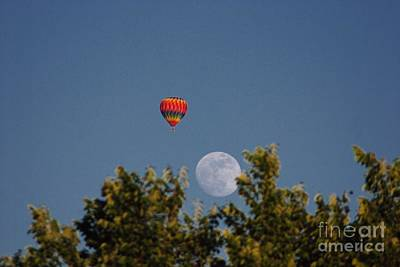 Photograph - Fly Me To The Moon by Mark McReynolds