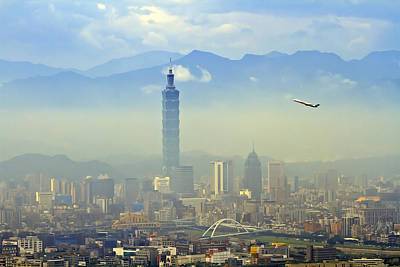 Y120831 Photograph - Fog Taipei 101 by 712