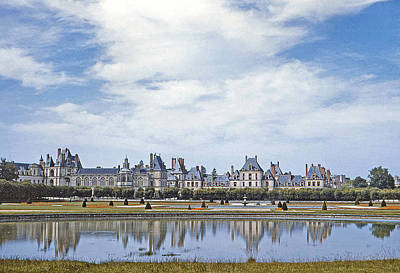 35mm Photograph - Fontainebleau Palace  by Chuck Staley