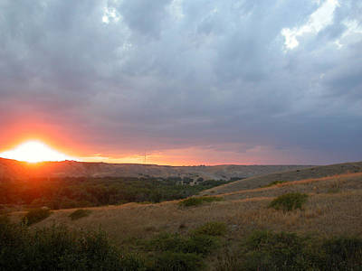 Foothills Sunset Art Print by Stuart Turnbull