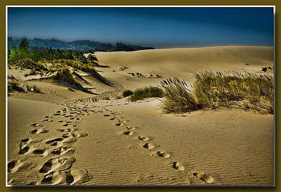 Footprint Digital Art - Footprints In The Dunes by Dale Stillman