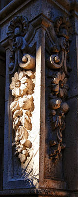 Photograph - Foral Facade by Sandra Selle Rodriguez