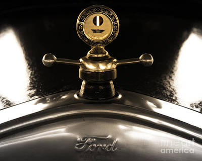 Ford Photograph - Ford's Beauty by Steven Digman