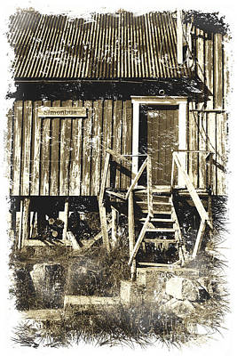 Rural Decay Digital Art - Forgotten Wooden House by Heiko Koehrer-Wagner