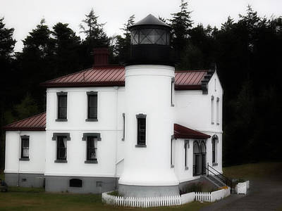 Fort Casey Lighthouse Art Print by Lee Yang