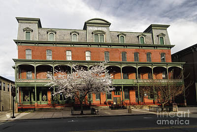 Haunted Places Photograph - Frontal View Of The Historic Union Hotel In Flemington by George Oze