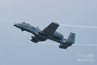 Wg Photograph - Ft Af 81 0967 Oa 10 Thunderbolt II Climbing With Vapor by Henry Plumley Jr