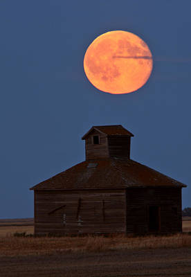 Full Moon Over Old Saskatchewan Barn Art Print