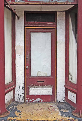 Duluth Photograph - Funky Red Duluth Door by Peter Veljkovich