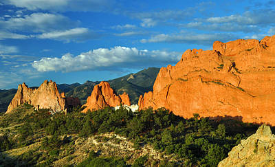 Photograph - Garden Of The Gods Front Side View by Gene Sherrill