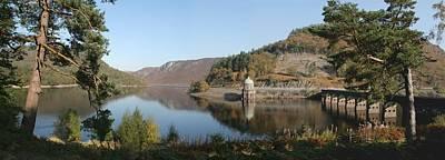 Photograph - Garreg-ddu Reservoir by Ed Lukas