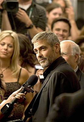 George Clooney At Arrivals For Michael Art Print by Everett