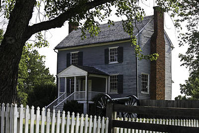 Frame House Photograph - George Peers House Appomattox Virginia by Teresa Mucha