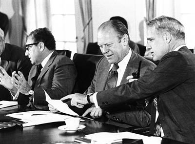 Gerald Ford At A Cabinet Meeting Art Print by Everett
