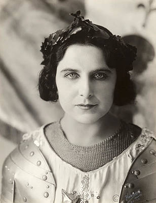 1916 Photograph - Geraldine Farrar (1882-1967) by Granger
