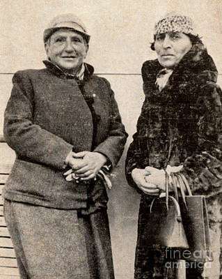 Stein Photograph - Gertrude Stein And Alice B. Toklas by Photo Researchers