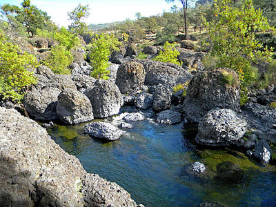 Photograph - Giant Basalt Boulders Swimming Hole by Frank Wilson
