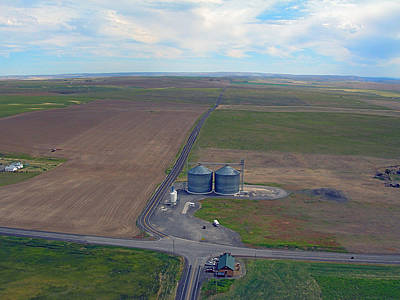 Photograph - Giant Silos In Farmer Wa. by Jerry Luther
