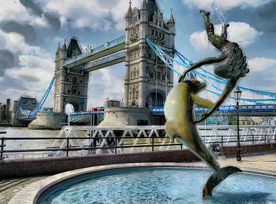 Design Turnpike Vintage Farmouse - Girl with a Dolphin - Tower Bridge by Steve Taylor