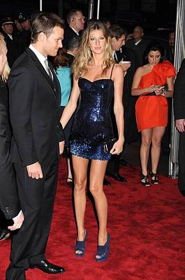 Gisele Bundchen Wearing A Versace Dress Art Print