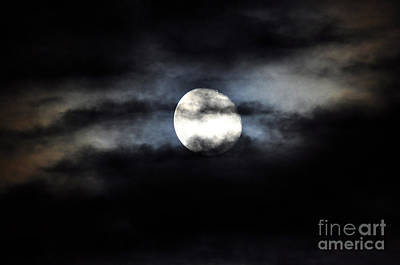 Waning Gibbous Moon Photograph - Glorious Gibbous by Al Powell Photography USA