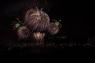 Photograph - Golden Gate 75th Fireworks 4 by Peter Dyke