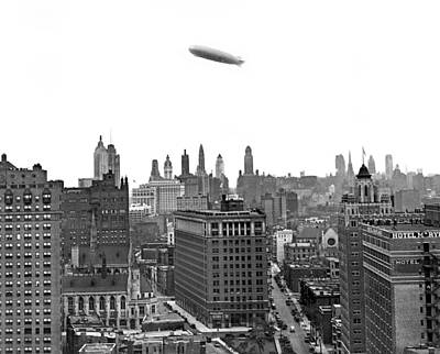 Graf Zeppelin Over Chicago Art Print by Underwood Archives