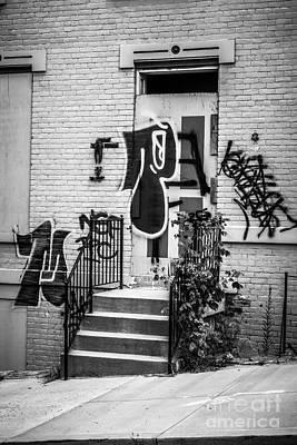 Graffiti At Cincinnati Abandoned Buildings Art Print