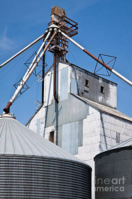 Photograph - Grain Elevator by Lawrence Burry