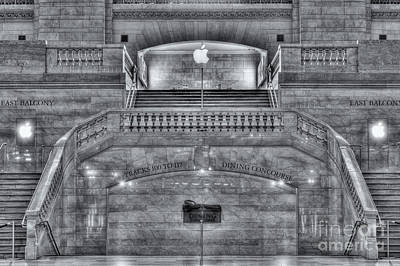 Photograph - Grand Central Terminal East Balcony II by Clarence Holmes