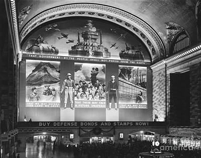 Photograph - Grand Central Terminal by Photo Researchers