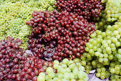 Concord Grapes Photograph - Grapes At A Market Stall by Jeremy Woodhouse