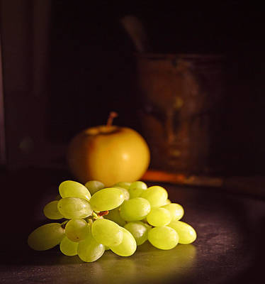 Grapes  Print by Davor Sintic