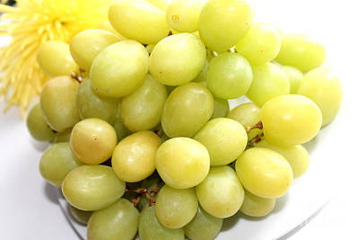 Green Grapes And Mum Art Print by Barbara Griffin