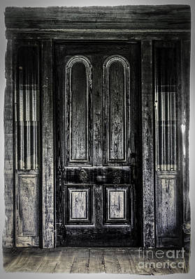 Photograph - Grung Door by David Waldrop