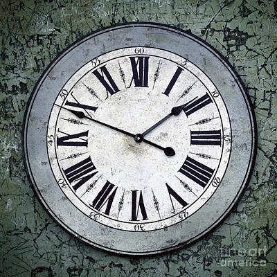Schedule Photograph - Grungy Clock by Carlos Caetano